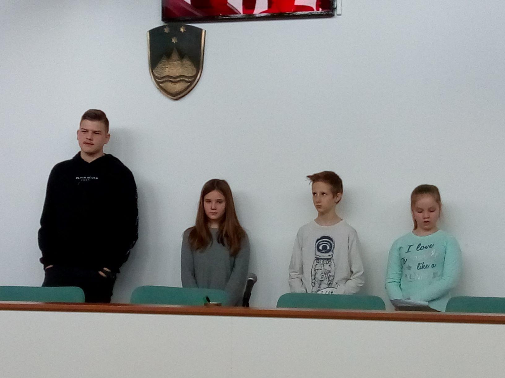 obc48dinski-parlament_2